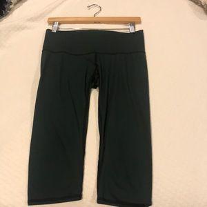 Goddess dark hunter green Teeki capri yoga pants